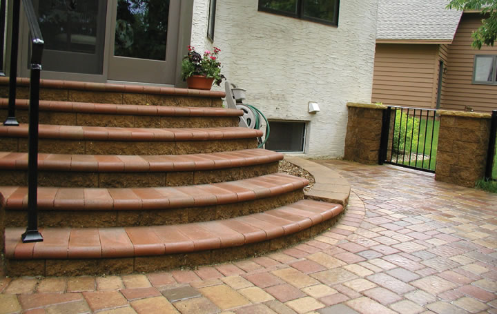 Bullnose Stair Treads & Cobblestone Patio