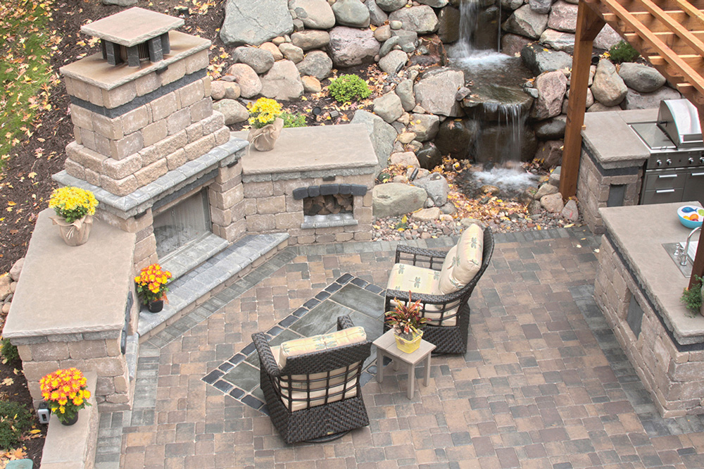 Ledgestone Fireplace Kit & Cobblestone Patio