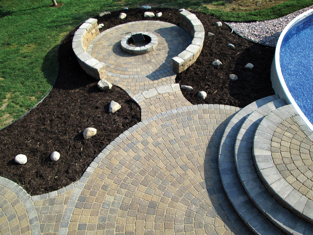 Circlestone Patios, Bullnose Steps & Fire Pit
