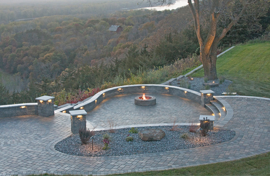 Spectacular Cobblestone & Circlestone Patio
