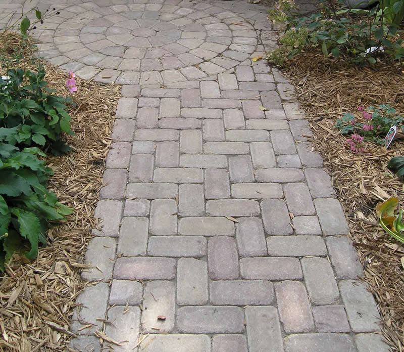 Brickstone Walkway with Circlestone