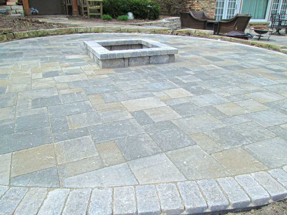 Slatestone Patio with Square Firepit