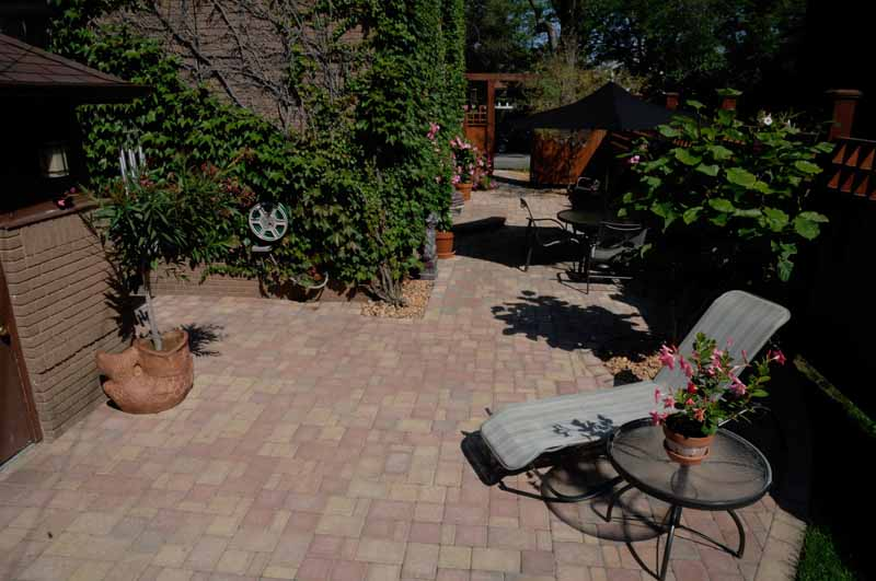 Side Yard Patio & Walkway