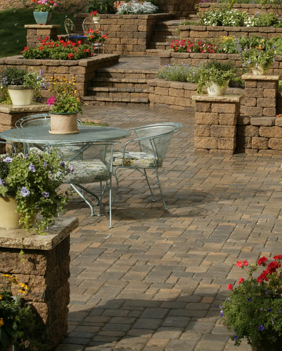 Cobblestone Patio, Planters & Stairs