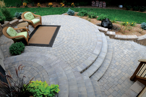 Curved Patios & Bullnose Steps