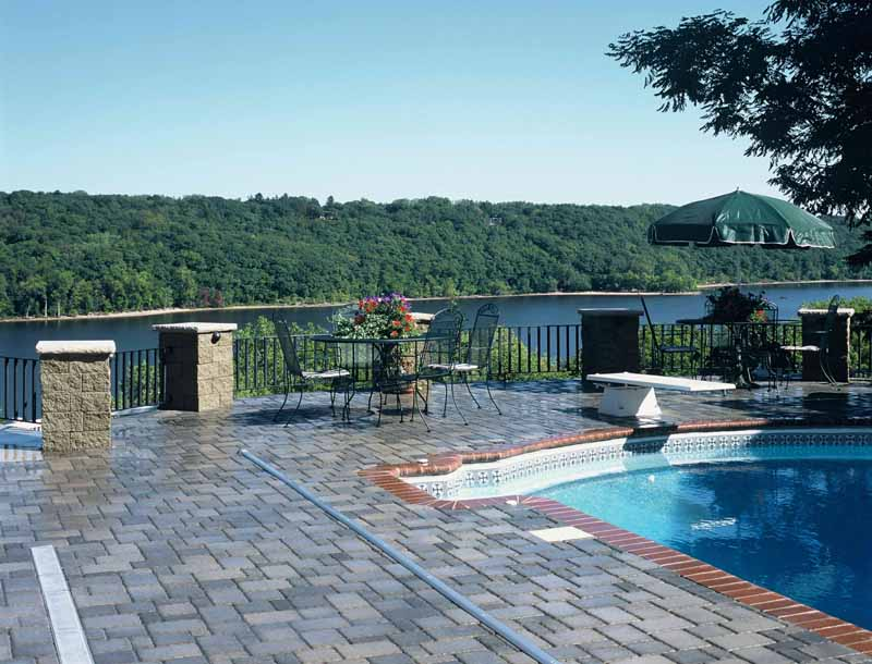 Cobblestone Pool Deck