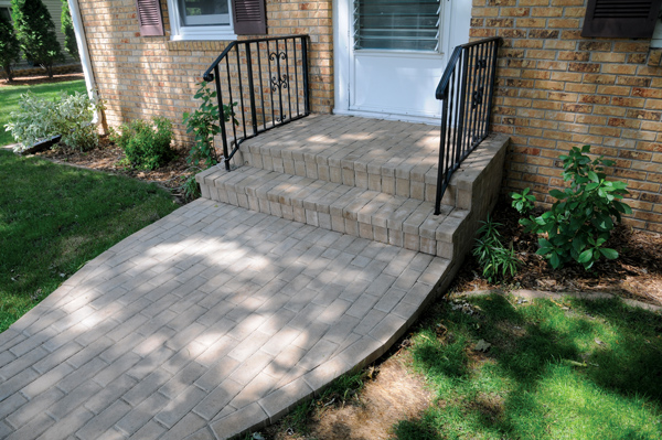 Cobblestone Entrance & Veneered Step