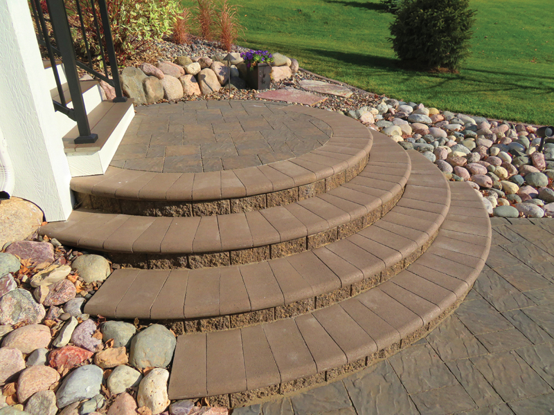 Slatestone Steps with Bullnose Treads