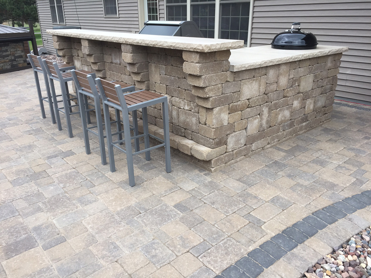 Ledgestone Corner Bar & Grill Kit